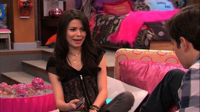 File:ICarly-4x03-iGet-Pranky-icarly-21402493-1280-720.jpg