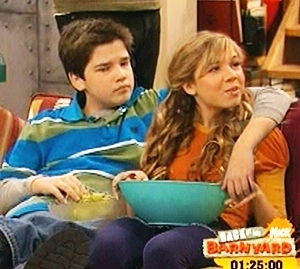 File:Seddie-sam-and-freddie-7949030-300-269.jpg