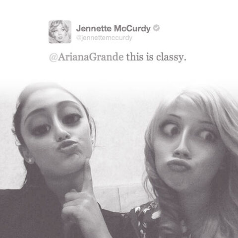 File:Tumblr ariana and jennette funny.jpg