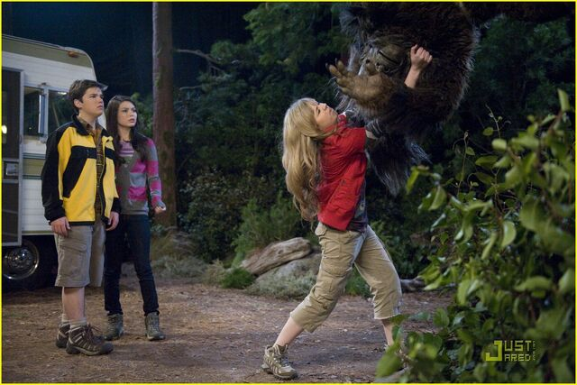 File:Miranda-cosgrove-bigfoot-11.jpg