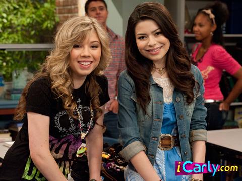 File:Carly and Sam.jpg