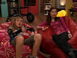 Sam & Carly vs Freddie's Bad Joke