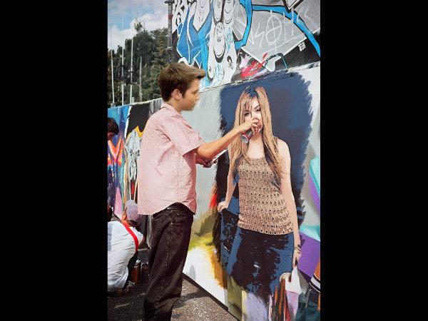 File:Freddie wall painting Sam.jpg