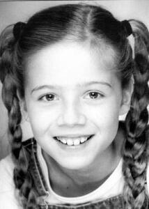File:Jennette's pigtail braids in 5th grade.jpg