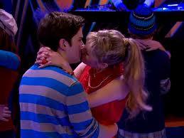 File:Melanie and Freddie kiss.jpeg