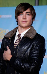 File:Zac-hsm2-dvd-release-party-3 small.JPG