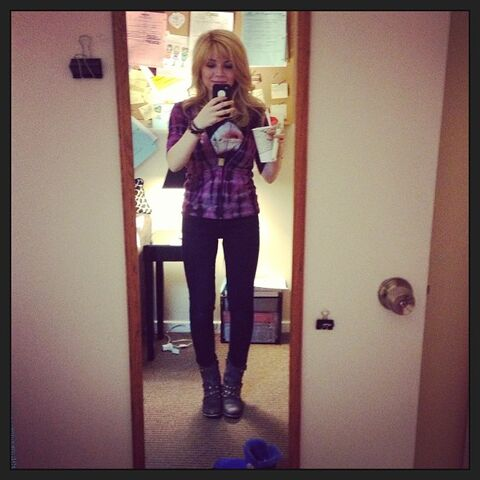 File:Jennette in one of Sam's outfits May 3, 2013.jpg