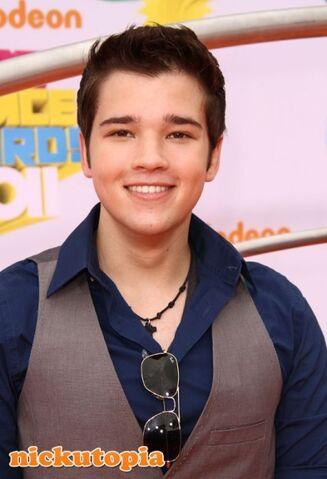 File:459px-Nathan-Kress-2011-Nickelodeon-KCAs.jpg