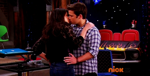 File:ICarly.S07E07.iGoodbye.480p.HDTV.x264 -Finale Episode-.mp4 002362900-043.jpg