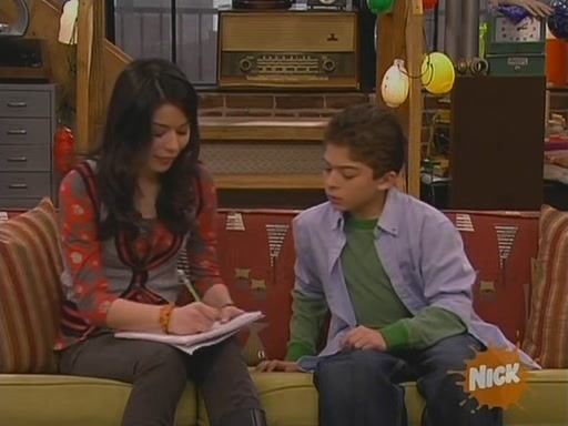 File:ICarly S02E20 (iTwins)-(024109)11-38-33-.jpg
