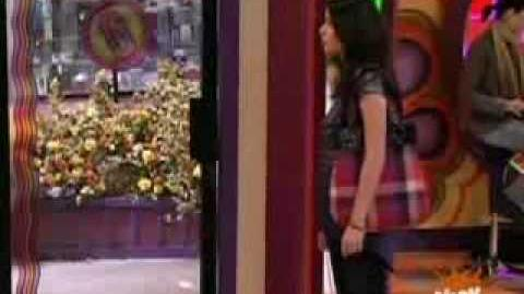 ICARLY COPIES HANNAH MONTANA???