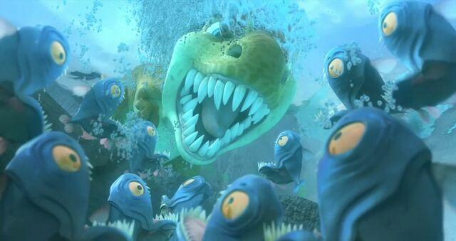 File:Egbert scares Piranhas.jpg