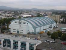 File:Victoria Memorial Arena (colour).jpg