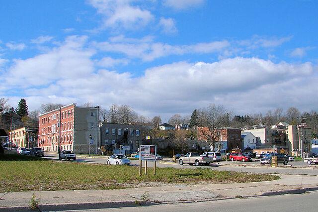 File:Wiarton, Ontario.JPG