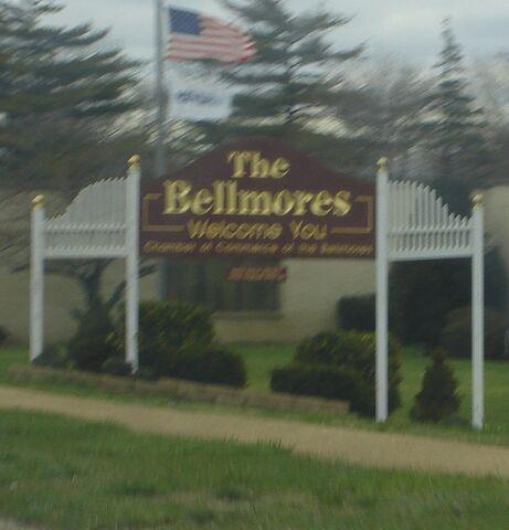 File:The Bellmores, New York.jpg