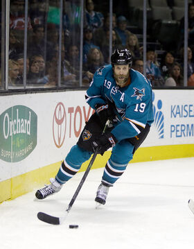 Joe Thornton Sharks 2015.jpg