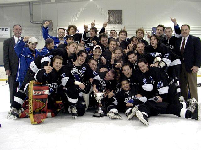 File:2003 CEHL champs Toledo Lightning.jpg