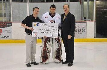 Caligiuri receives $1,000 scholarship