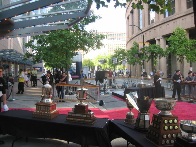 File:Trophies 2006nhlawards.jpg