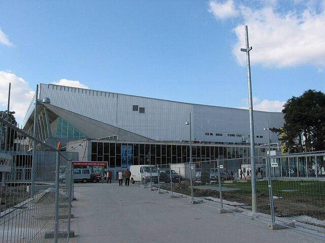 File:WienerStadthalle.jpg