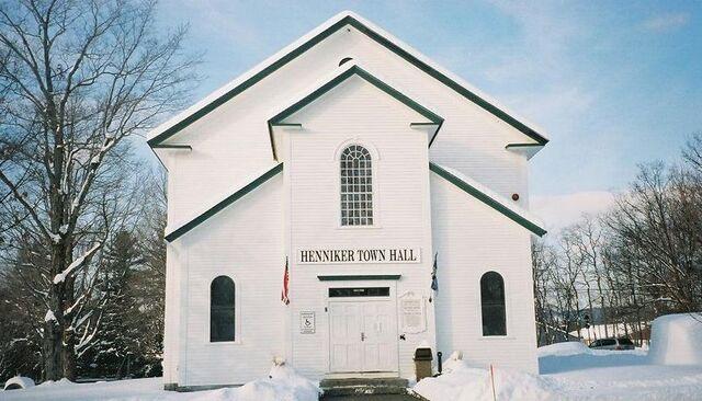 File:Henniker, New Hampshire.jpg