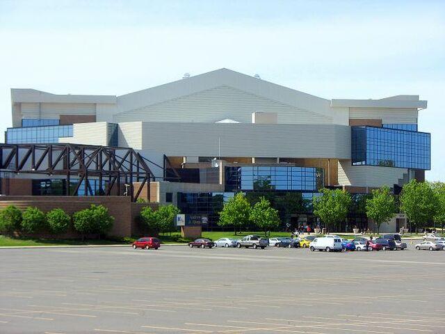 File:Allen County War Memorial Coliseum.JPG