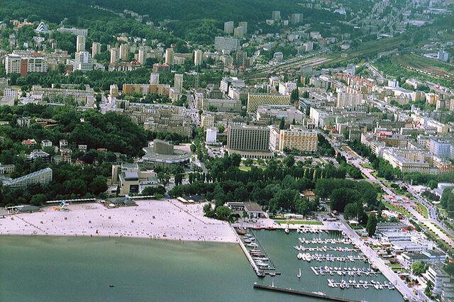 File:Gdynia.jpg