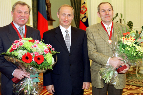 File:Vladimir Putin 6 May 2000-1.jpg