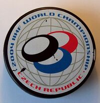 Official puck IIHF 2004