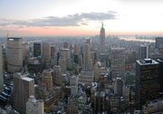 800px-NYC wideangle south from Top of the Rock