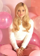 Olivia afterglowmag pink baloons