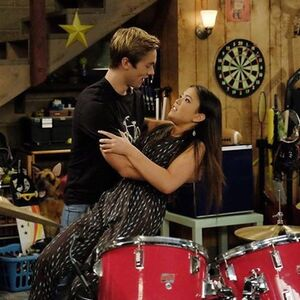 Jaz in Logan's arms!!