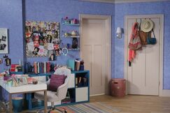 Lindy's Room2
