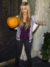 Olivia holt 2012 halloween photoshoot 8