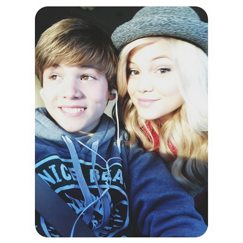 File:Olivia with Her Brother.png