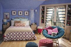Lindy's Room5