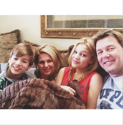 File:Olivia with Family.png