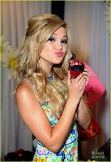 Olivia Holt with Minnie Cupcake