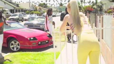Iggy Azalea PU$$Y - (OFFICIAL VIDEO)