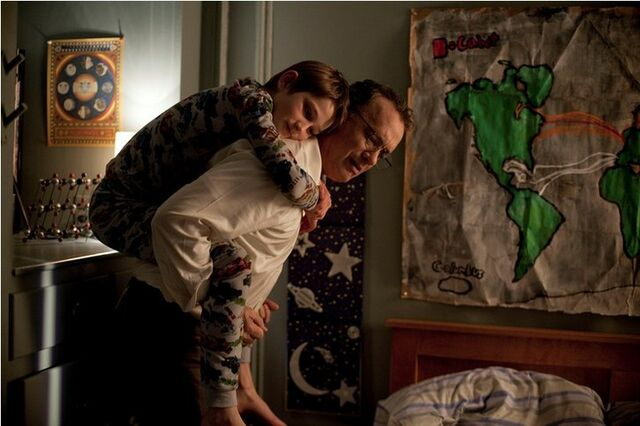 File:Tom Hanks and Thomas Horn in Extremely Loud and Incredibly Close.jpg