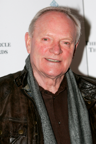 File:Julian Glover.png