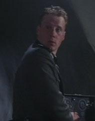 ファイル:Young officer.jpg