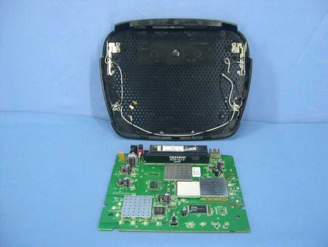 File:Linksys E3000 v1.0 FCCe.jpg