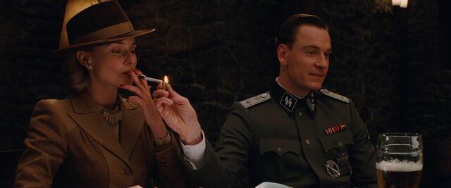 File:Hicox lits von Hammersmark's cigarette.jpg