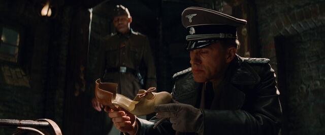 File:Hans Landa found Bridget's shoe.jpg