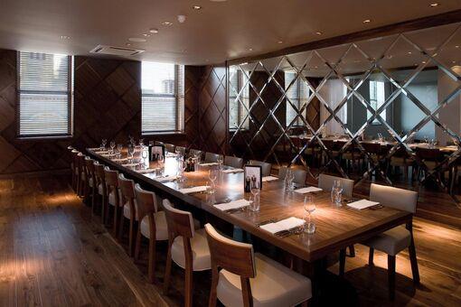 Restaurant-bar-and-grill-martins 04