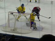 SwedenUSAwomenshockey2002