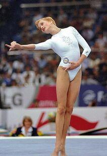 Khorkina1999worldsaa