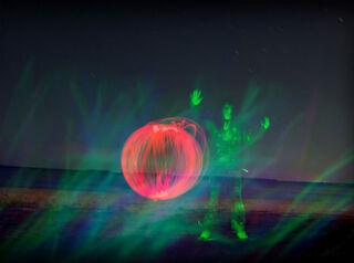 Light-painting-red-orb-damongman