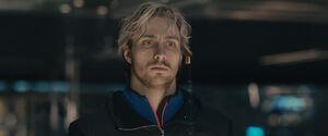 Avengers-age-of-ultron-quicksilver-aaron-taylor-johnson